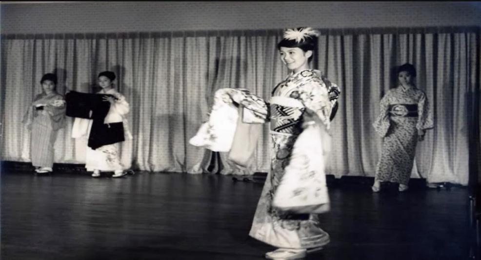 1964年(昭和39年)東京オリンピックで行われた上田美枝きものショー