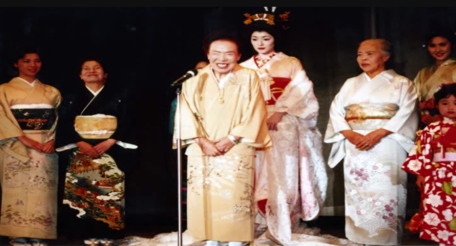 1993年(平成7年)上田嘉一朗商店創立75周年
