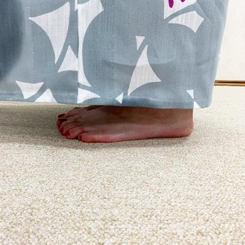 浴衣の裾の位置目安